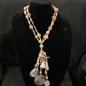 Beautiful Shell - Wood bead Necklace